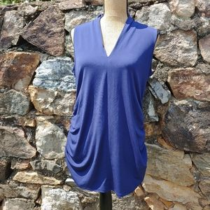 A Pea In The Pod Blue v Neck tank ruched sides